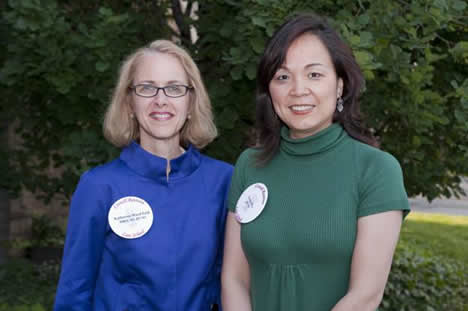 Katherine Ward-Feld, MBA '82, JD '83, President of the Cornell Law Association and Guohua 'Annie' Wu, JD '01, Vice President of the Cornell Law Association.