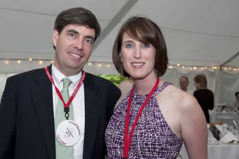Tom Brown, JD '94 and Suzanne Dressler Brown, JD '94 enjoy the All Class Dinner Dance.