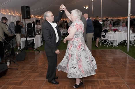 James Scouten, JD '69 and Delight Scouten dancing to the music of ' The Hotfoot Club'